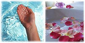 Main eau pétales de fleur